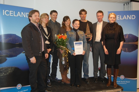 Icelandic Mountainguide Staff recieving the award