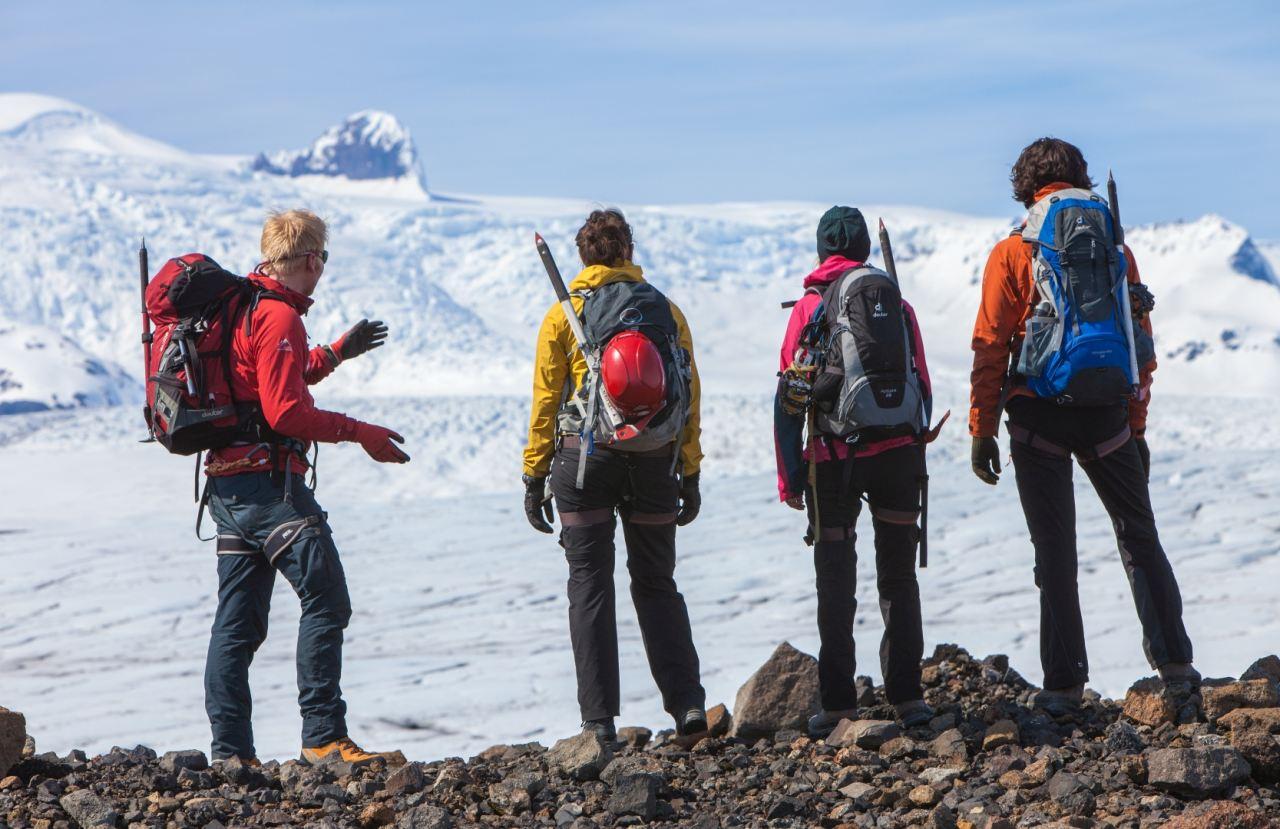 Explaining how the glacier forms