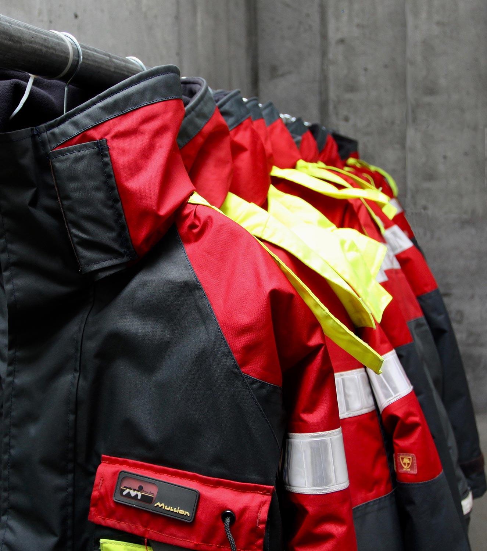 Life jackets and floating jackets.