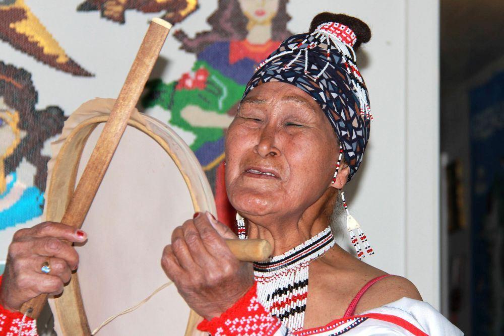 Greenlandic drum dance