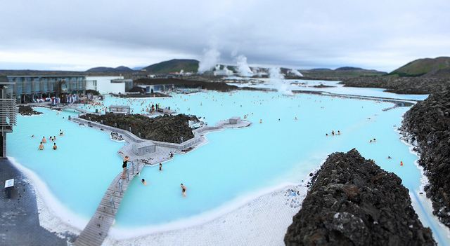 The blue lagoon vs laugarvatn fontana for Where is the blue lagoon located in iceland