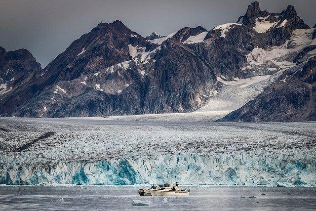 Sailing among Icebergs