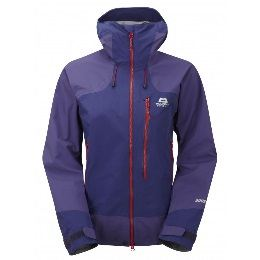 0859a4ed8c78 Jacket with a good hood (wind and waterproof)