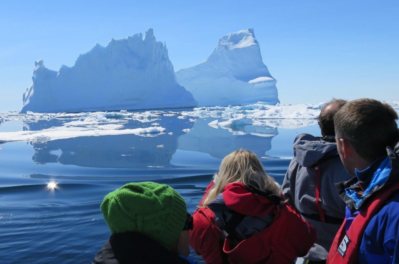 Iceberg spectacle